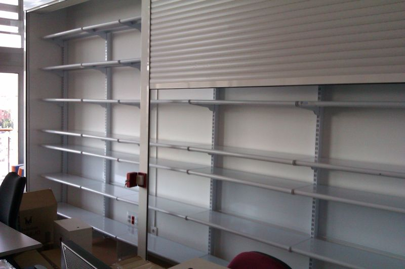 Puertas de trastero baratas free puertas multiusos - Estanterias metalicas para libros ...